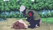 Kakashi encontra a mulher na beira do rio