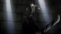Gengo empunha uma espada