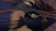 Fuka pega Naruto com seu cabelo