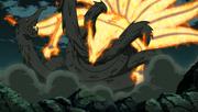 Kurama choca con el Dragón de Madera de Madara