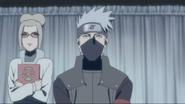 Shiho junto de Kakashi se comunicando com os outros Kage