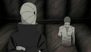 Uno de los clones de Zetsu Blanco hablando con Tobi