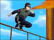 Aoba atacando a las invasores de Konoha