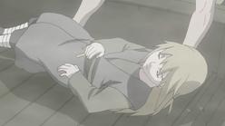Yukimaru desmaia após invocar o Sanbi