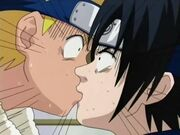 Beso accidental de Naruto y Sasuke