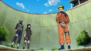 Sasuke llega a la arena de los exámenes Chunin