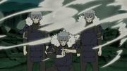 Tobirama crea Clones de Sombra para detener a Madara