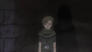 Yagura sendo controlado por Obito