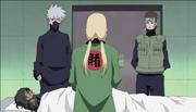 Tsunade informando a Kakashi y a Yamato sobre la autopsia de Kakuzu