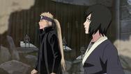 Inoichi conta para Shizune sobre o cadaver de Pain