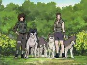 Tsume Inuzuka, Kuromaru, los hermanos Haimaru y Hana Inuzuka