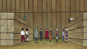 Los 11 de Konoha reunidos hablando sobre Sasuke