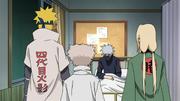 Minato, Hiruzen e Tsunade conversam com Kakashi