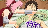 Sakura curando Kankuro