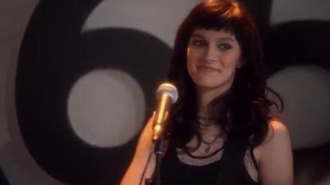 """Aubrey Peeples (Layla) Sings """"Heart Don't Know When to Stop"""" - Nashville"""