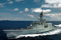 300px-HMCS Algonquin (DDG 283)2