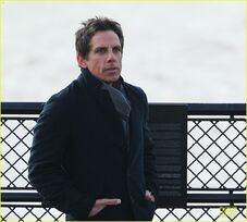 Ben-stiller-chilly-night-at-the-museum-3-scenes-with-skyler-gisondo-04