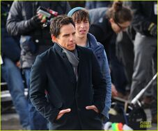Ben-stiller-chilly-night-at-the-museum-3-scenes-with-skyler-gisondo-02