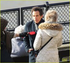 Ben-stiller-chilly-night-at-the-museum-3-scenes-with-skyler-gisondo-07