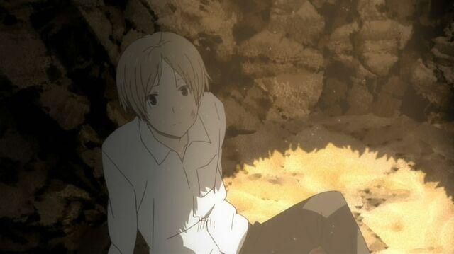 File:Natsume hiding at hole.jpg