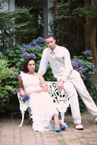 Image ayesha alexander and stephen curry marriedg nbafamily fileayesha alexander and stephen curry marriedg junglespirit Images
