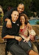 Steph curry mom and dad what