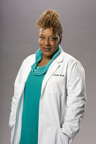 File:Xcch-pounder-as-dr-loretta-wade.jpg.pagespeed.ic.dNhGL2rPjH.jpg