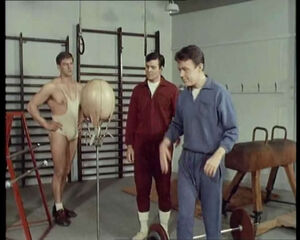 The-Champions-The-Invisible-Man-Weightlifter-12