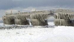 Frozen-pier-c5c67ad9d9f85529