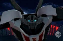 Wheeljack Transformers Prime Closeup Combat Mode