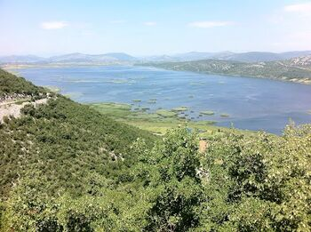 Svitavski ili donje jezero (hutovo)