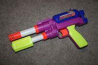Nerf-supermaxx-500-air-pressure-larami-pump-pistol-1994-vintage-super-maxx-rare-77f90c27d2d171792fccf34f4b07d20c