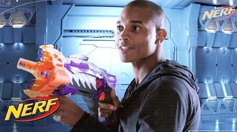 NERF Alien Menace - 'Incisor & Ravager Blasters!'