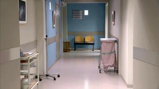 4515-ZiekenhuisGang