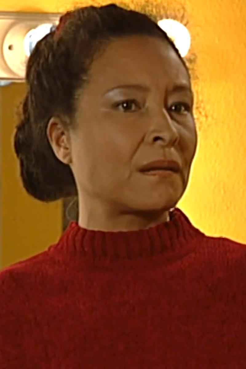 Jasmine Portret S06