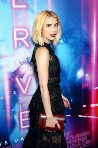 File:Emma Roberts 2.jpg