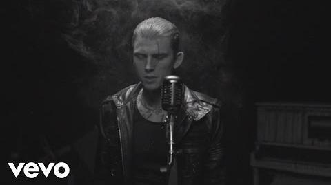 Machine Gun Kelly - Spotlight ft