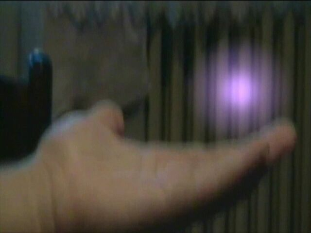 File:Caranje-Bewitchment 01x10 Vavaroga ili Neksus Mali deo iz epizod 0003.jpg