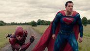 DC-Comics-potwierdzilo-kto-jest-najszybszym-czlowiekiem-na-swiecie