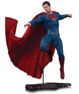 Batman-v-Superman-Dawn-of-Justice-statue-1