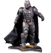 Batman-v-Superman-Dawn-of-Justice-statue-3