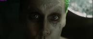 Extended Joker tortures Harley2