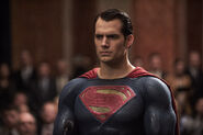 Batman-v-superman-dawn-of-justice-henry-cavill-image