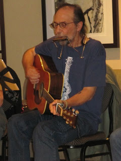 File:Author Charles de Lint-performing.jpg