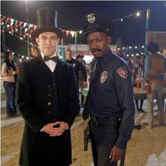 Abraham Lincoln and a cop