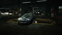 Garage Aston Martin V12 Vantage Grey
