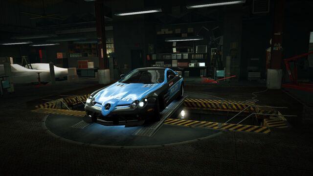 File:Garage Mercedes-Benz SLR McLaren 722 Edition Autobahn Stormer.jpg