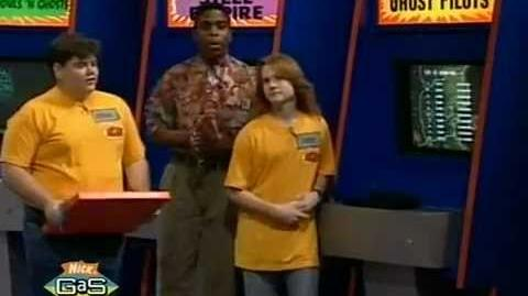 Nick Arcade - Michael and Danny vs. Megan and Heidi (Salute Your Shorts Special)