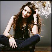 Miranda Cosgrove website promotional picture