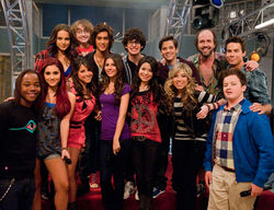 Iparty-with-victorious-cast
